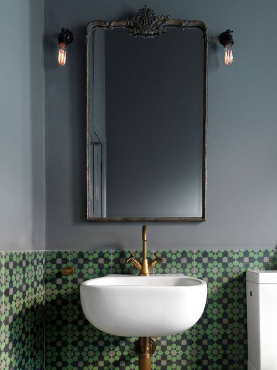 Λέμε ΝΑΙ στα σκούρα χρώματα στο μπάνιο!